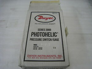 Dwyer-Photohelic-Series-3000-Pressure-Switch-Gage-0-1-inches-of-water-range
