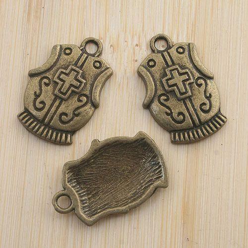 10pcs Antique Bronze Croix Bouclier Pendentif Charm G1396