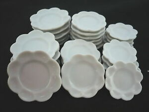 30-Mix-Size-White-Flower-Plates-Scalloped-Plates-Dollhouse-Miniatures-Ceramic