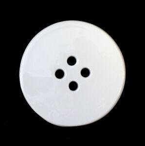 9942352-Porcelain-Jewellery-Pendant-Button-White-Wagner-amp-Apel-D6-5cm