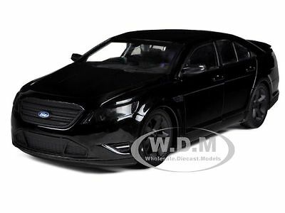 2012 FORD TAURUS SHO MEN IN BLACK 3 MODERN AGENT CAR 1/24 MODEL GREENLIGHT 18211