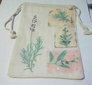 6-Ivory-5x7-Muslin-with-Lavender-plants-printed-on-front-Drawstring-Favor-Bags