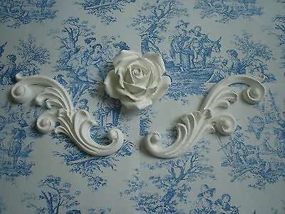 FRENCH ORNATE SCROLLS WITH ROSE CENTRE PIECE CUBOARD MOULDINGS WHITE RESIN