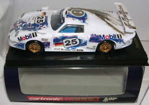 CARTRONIC-360415-SLOT-CAR-PORSCHE-911-GT1-25-BOUTSEN-STUCK-WOLLEK-MB