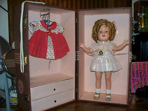 Amazing-16-Marked-Composition-Shirley-Temple-Doll-W-Trunk-4-orig-dresses-more