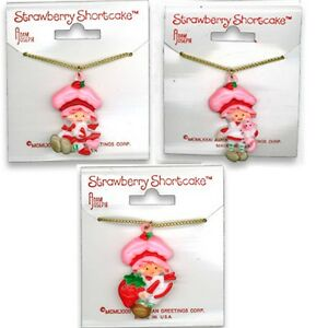 Vintage strawberry shortcake necklace on original card cat for Strawberry shortcake necklace jewelry