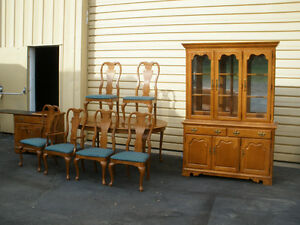 48685 THOMASVILLE Oak Dining Room Set China Cabinet Table 6 Chairs EBay