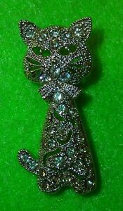 Cat-Lover-Jewelry-Silver-Tone-with-Rhinestones-Sitting-Cat-Pin
