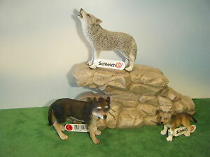 SCHLEICH-WOLF-14605-HOWLING-14626-amp-CUB-14606-NEW-IN-FACTORY-PLASTIC