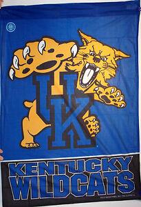 Kentucky-Wildcats-28x40-Vertical-Banner-Flag