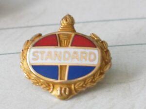 Standard-Oil-10-yr-Employee-Service-Award-Pin-Badge-14K-Date-on-back-1946