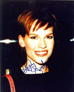 HILARY-SWANK-AUTOGRAPHED-SIGNED-8X10-PHOTO-BLACK-BACKGROUND-RED-STRAP