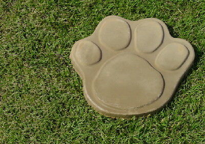 16 Inch Dog Cat Paw Concrete Footprint Stepping Stone Mold 1148 Moldcreations