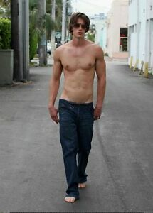 Shirtless-Male-Athletic-Bare-Feet-Low-Rise-Jeans-V-Shape-PHOTO-4X6-Pinup-P249