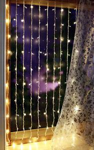 Led lichtervorhang 100 led s lichter vorhang perlenvorhang for Lichtervorhang innen fenster