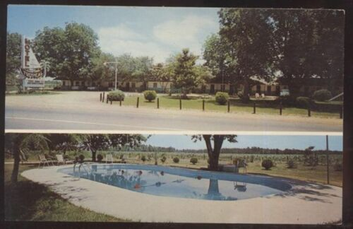 Postcard Glenville,GeorgiaGA Tropical Motel Dual view 1950's