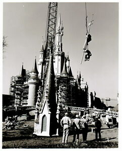 Vintage-DISNEY-WORLD-Cinderella-Castle-Construction-Photo-8x10-Free-Shipping