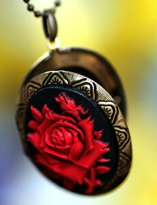 Red-over-Black-Big-ROSE-detailed-Cameo-Locket-Pendant-Necklace-Top-Quality