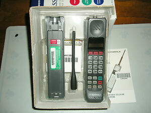 NEW-In-The-Box-Motorola-Ultra-Classic-II-Brick-Cell-Cellular-Mobile-Phone