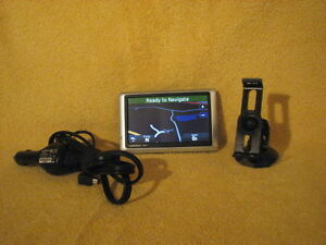 Garmin-nuvi-1450LMT-Automotive-GPS-Receiver-Bundle