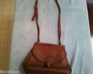 Vintage-leather-genuine-Coach-cross-body-satchel-brown-USA-messenger