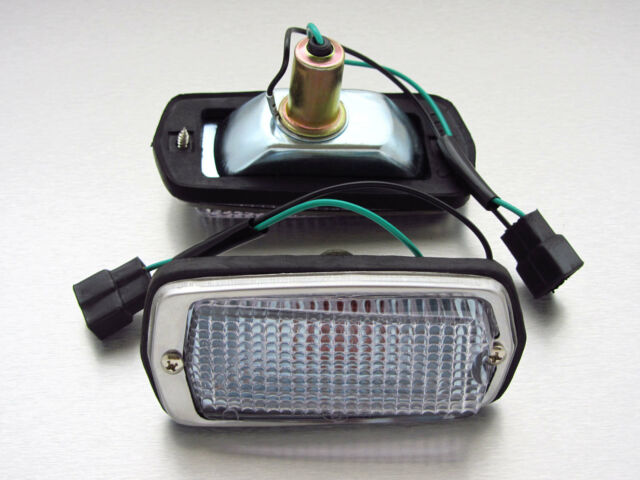 DATSUN N/S 510 120Y B210 240z clear side indicator marker lights NEW fender
