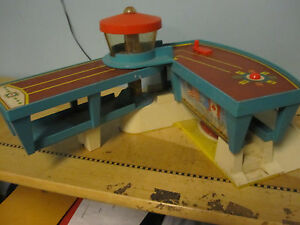 Vintage 1960's Fisher Price fold out airport | eBay