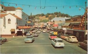 c-1957-SONORA-CA-WASHINGTON-STREET-SCENE-POSTCARD
