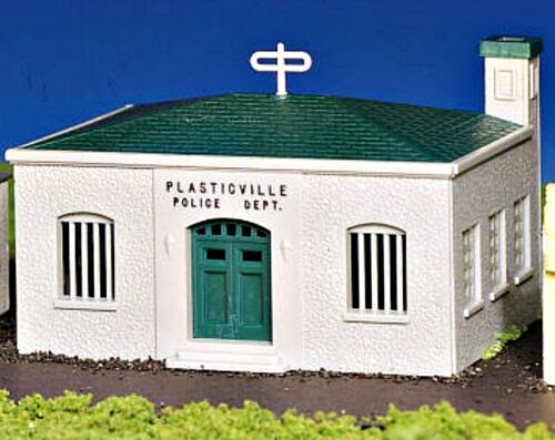 New in Box   BACHMANN PLASTICVILLE  HO Scale  POLICE STATION