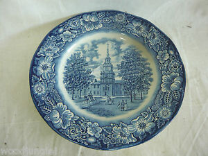 Vintage-LIBERTY-BLUE-INDEPENDENCE-HALL-PLATE-STAFFORDSHIRE-ENGLAND