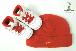 NIKE-BABY-AIR-FORCE-1-CRIB-GIFT-PACK-LE-CB-INFANT-SET-WITH-HAT-SZ-2C