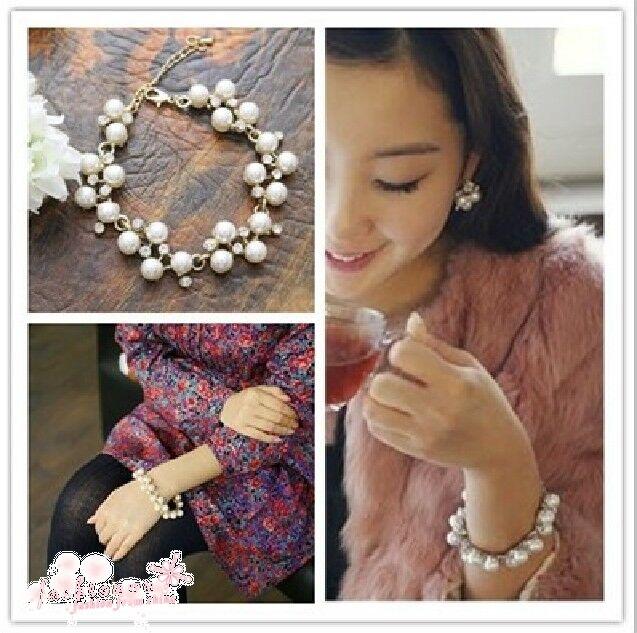 2012 New Fashion Cute Charm Lovely Pearl Crystal  Bowknot Bangle Bracelet