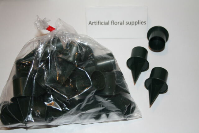 25 bag of 2.5cm small green plastic candle holders for oasis and flower