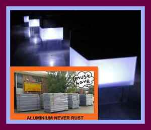 50x50-SOLAR-FENCE-POST-CAP-LED-LIGHT-POOL-GARDEN-POST
