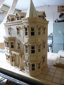 The-Bentley-House-1-12-SCALE-DOLLS-HOUSE-ready-made-12DHD041