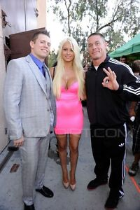 WWE-DIVA-MARYSE-OUELLET-NEON-PINK-DESIGNER-DRESS-WORN-TO-TEEN-CHOICE-AWARDS