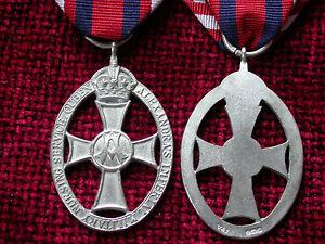 WW1-Replica-Copy-Queen-Alexandra-039-s-Imperial-Military-Nursing-Service-Cape-Badge