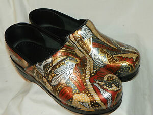 MY-DANSKO-BROWN-TOOLED-CLOGS-LOVE-YOURS-NEED-A-RENOVATION-CHECK-MY-PICTURES