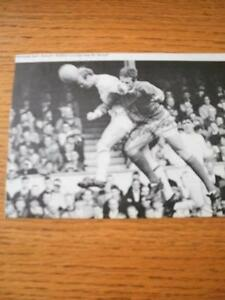 circa-1960-039-s-Autographed-Magazine-Clipping-Arsenal-Radford-John-Black-amp-Whi