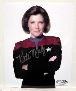 Kate-Mulgrew-Capt-Janeway-STAR-TREK-VOYAGER-AUTOGRAPH