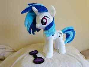 My-Little-Pony-FIM-DJ-Pon3-Vinyl-Scratch-plush-Friendship-is-Magic