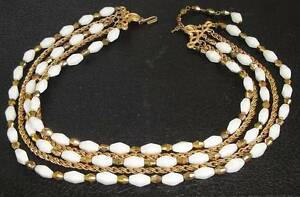 Vintage-Signed-Layered-Chain-White-amp-Gold-Glass-Choker-Necklace-by-Crown-TRIFARI
