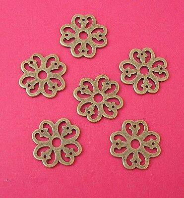20pcs-Pendant, Charm Connector Flower Antique Bronze Alloy 15mm.