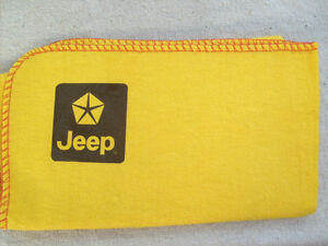 JEEP CARS BRAND NEW LARGE YELLOW CLEANING DUSTER CLOTH WITH JEEP LOGO DECAL - Bexhill, East Sussex, United Kingdom - JEEP CARS BRAND NEW LARGE YELLOW CLEANING DUSTER CLOTH WITH JEEP LOGO DECAL - Bexhill, East Sussex, United Kingdom