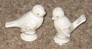 Ceramic-White-Love-Bird-Figurine-Salt-amp-Pepper-Pair