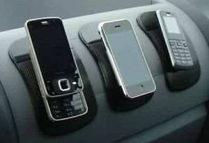 ANTI-GRIP-SLIP-STICKY-PAD-FOR-IN-CAR-OR-ANYWHERE-IPHONE-4-4S-BLACKBERRY-HOLDER