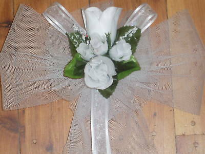 WEDDING PARTY DECORATION CHURCH PEW CHAIR BOW  WHITE ROSEBUDS