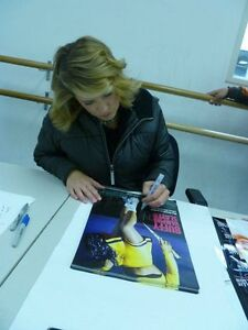 Kristy-Swanson-Signed-Buffy-The-Vampire-Slayer-Poster-PSA-DNA-Pike-isn-039-t-a-Name
