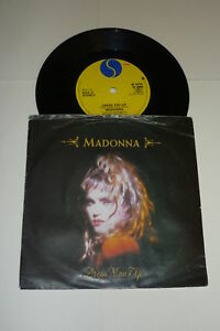 MADONNA-Dress-You-Up-1985-UK-Sire-2-track-7-Vinyl-Single-In-Sleeve