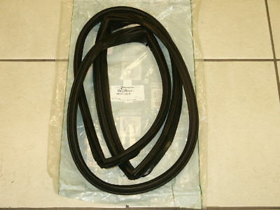 1966-1967 FORD FAIRLANE MERCURY COMET 2DR HARDTOP REAR WINDOW RUBBER GASKET SEAL